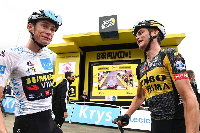 Jonas Vingegaard og Sepp Kuss efter torsdagens etape.