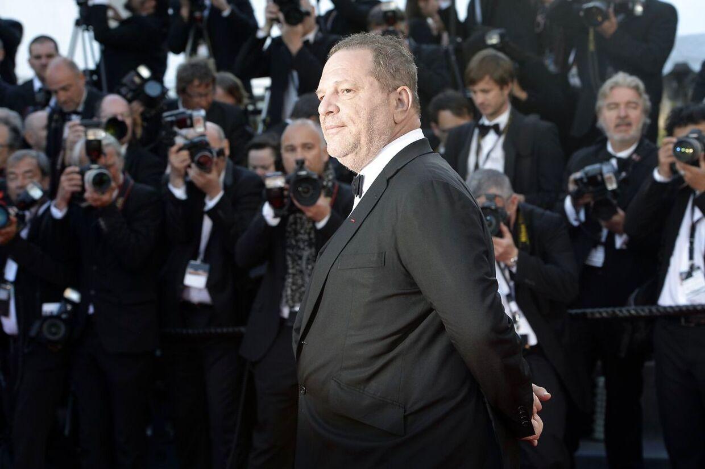 Harvey Weinstein poserer ved filmfestivalen i Cannes. Også omtalt som hans »legeplads«.