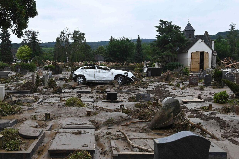 De enorme ødelæggelser vil koste mange milliarder at udbedre.