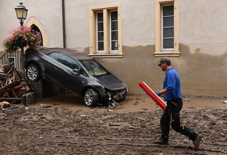 De lokale beboere i de tyske landsbyer, er først nu ved at kunne danne sig et overblik over, hvor dtor skaden er