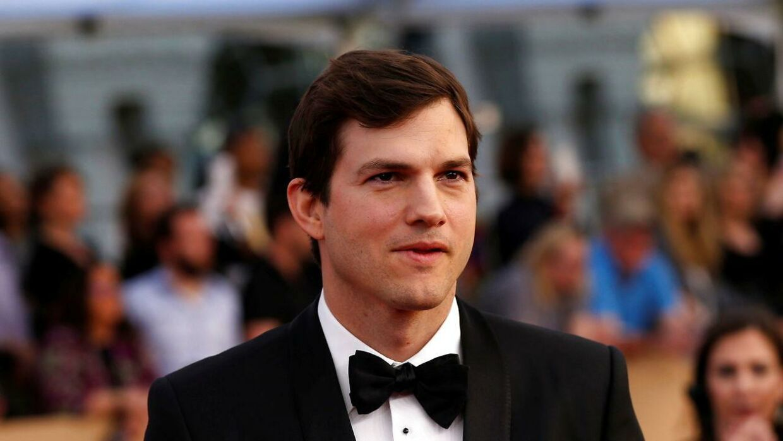 Ashton Kutcher har parkeret drømmen om at komme ud i rummet. REUTERS/Mario Anzuoni/File Photo