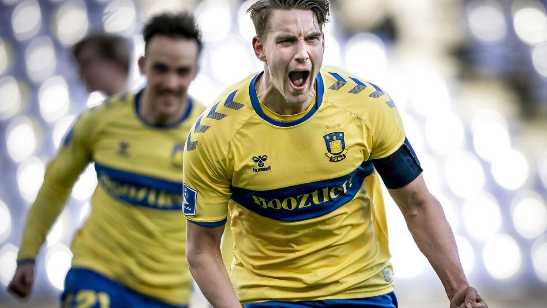 Brøndby har eksempelvis sagt farvel til Lasse Vigen, som du ser i baggrunden.
