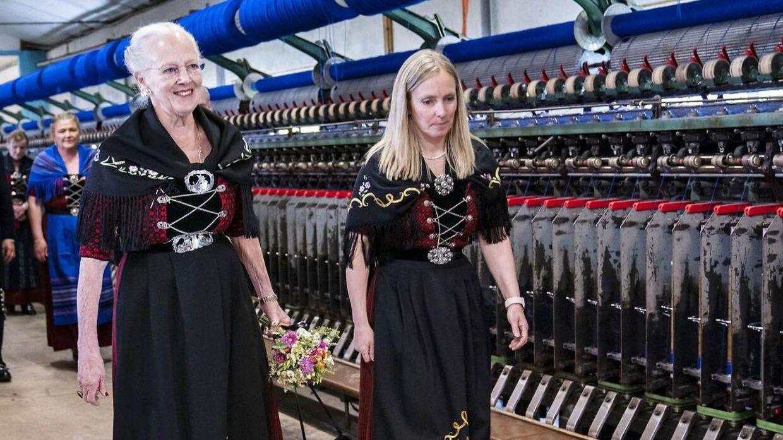 Her besøger dronning Margrethe familievirksomheden Snældan.