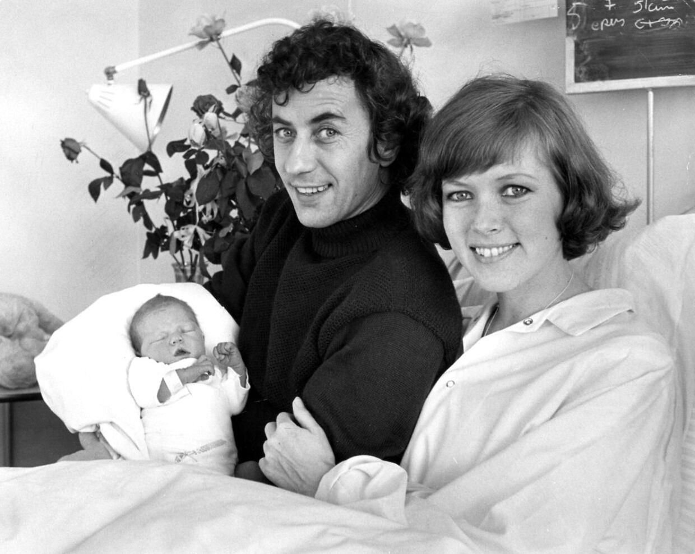 Birthe Neumann og Paul Hüttel med datteren, Stine.