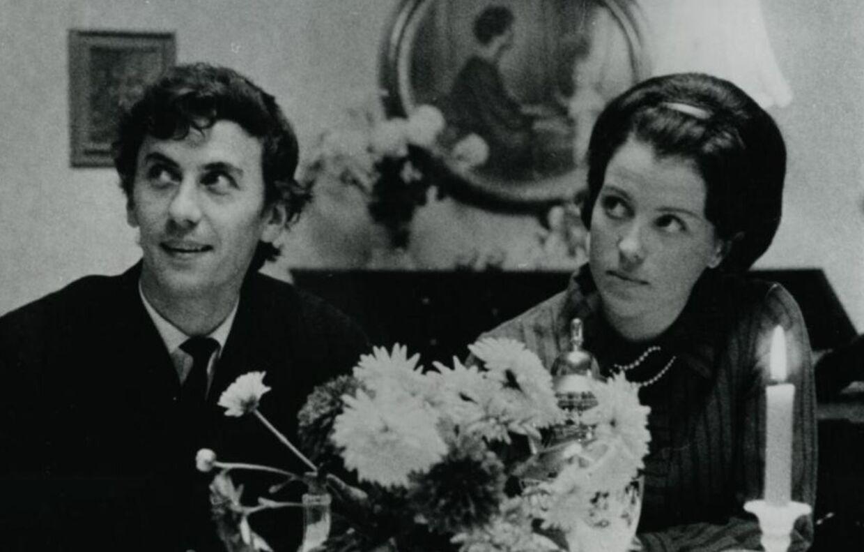 »Nøj, hvor er han lækker,« tænkte Birthe Neumann, første gang hun så Paul Hüttel i filmen 'Balladen om Carl-Henning'.