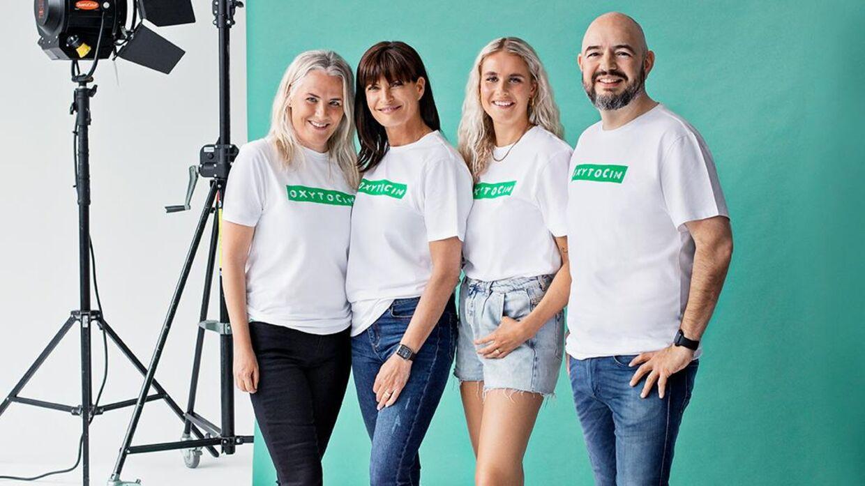 Mai-Britt Vingsøe og resten af NOVA-holdet, der har designet t-shirten for Muskelsvindfonden.