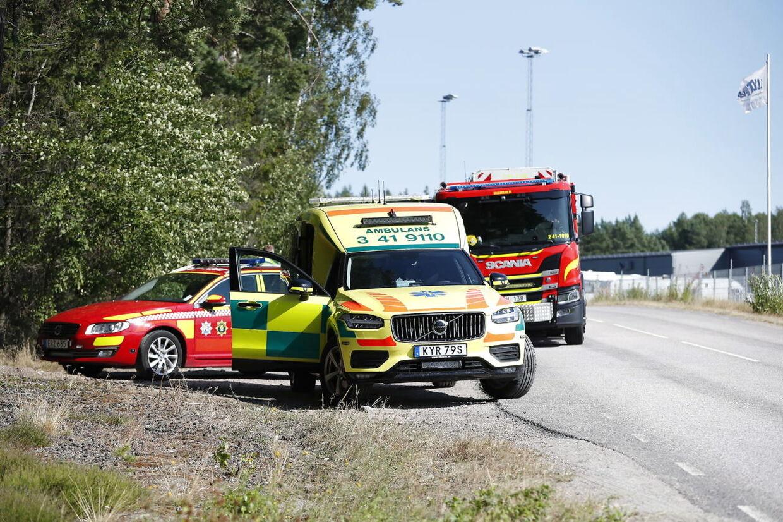 ESKILSTUNA 20210721 En stor insats pågår på Hällbyfängelset utanför Eskilstuna. Två morddömda fångar har tagit två ur personalen som gisslan. Foto: Christine Olsson / TT kod 10430. (Foto: 10430 Christine Olsson/TT/Ritzau Scanpix)