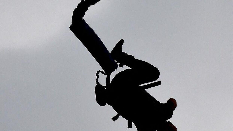 Arkivfoto. Kvinde hoppede i døden.