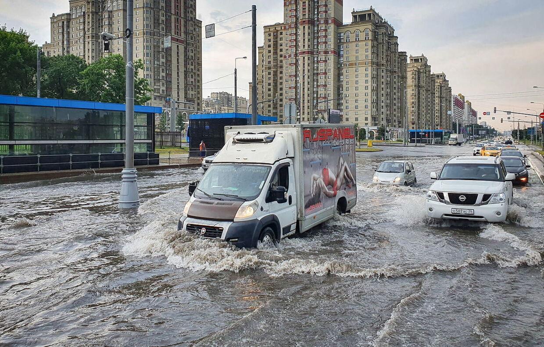 For omtrent måned siden var det Moskva, der kæmpede med voldsomt nedbør.