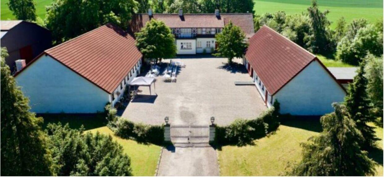 Det er gården her, der er blevet sat til salg. Foto: Land og Bolig