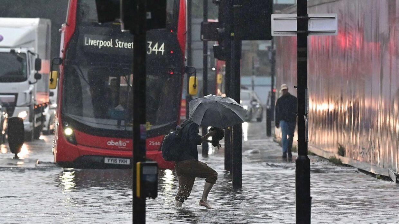 Der faldt mere end 100 milimeter regn i London på få timer