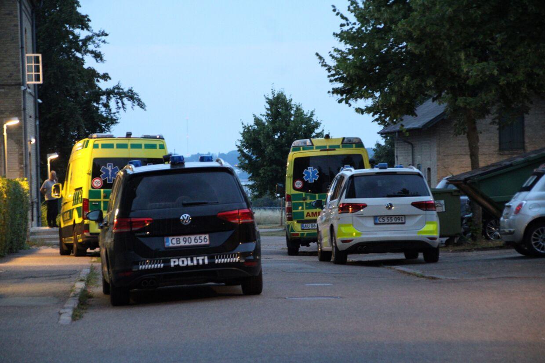 Politiet var massivt til stede ved det psykiatriske center. Foto: presse-fotos.dk.