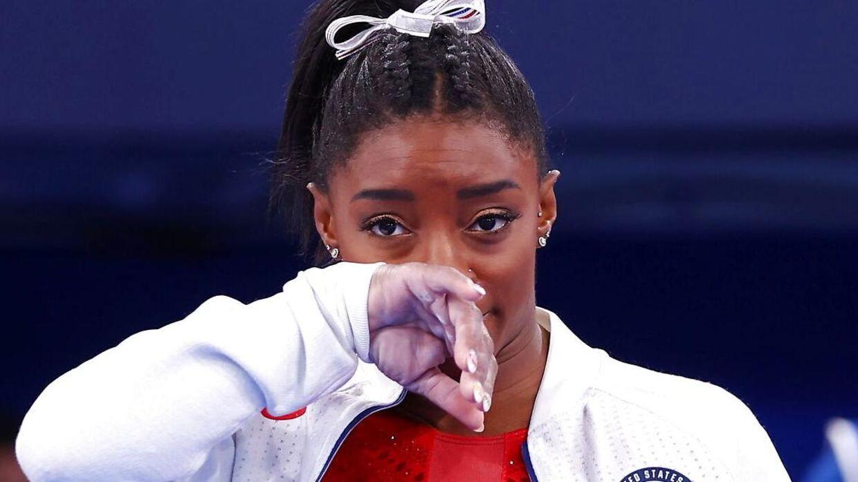 Simone Biles trak sig, fordi hun kæmper med det mentale.