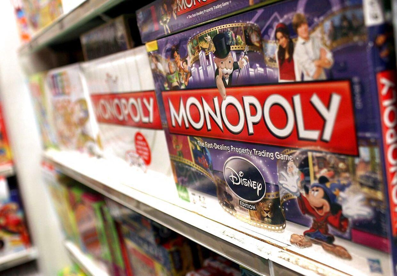 Hasbro står blandt andet bag Monopoly-spillene. (Photo by SPENCER PLATT / GETTY IMAGES NORTH AMERICA / AFP)