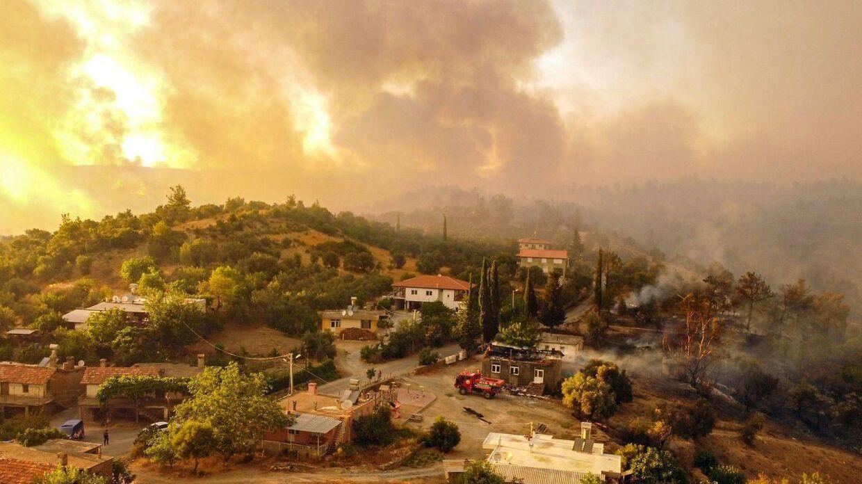 Flere tusinde mennesker er blevet evakuerede.
