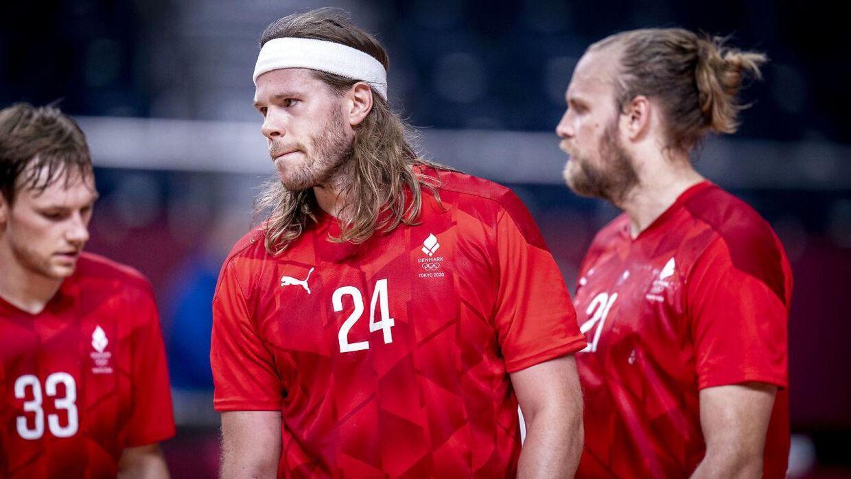 Mikkel Hansen, Mathias Gidsel og Henrik Møllgaard efter håndboldkampen mellem Danmark-Sverige på Yoyogi National Stadium i Tokyo, søndag den 1 august 2021. (Foto: Liselotte Sabroe/Ritzau Scanpix)
