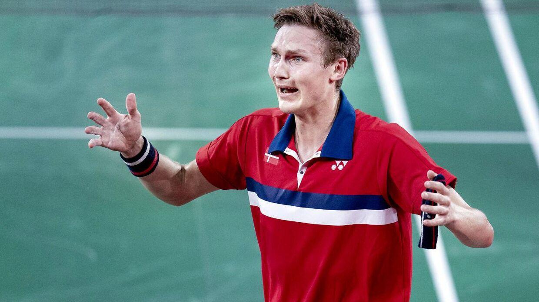 Viktor Axelsen lod tårerne få frit løb, da han vandt OL-guld.