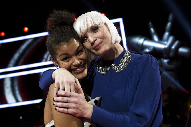 Dianna Lindharth og Sharin Foo efter semifinalen i 'Voice - Danmarks største stemme.'