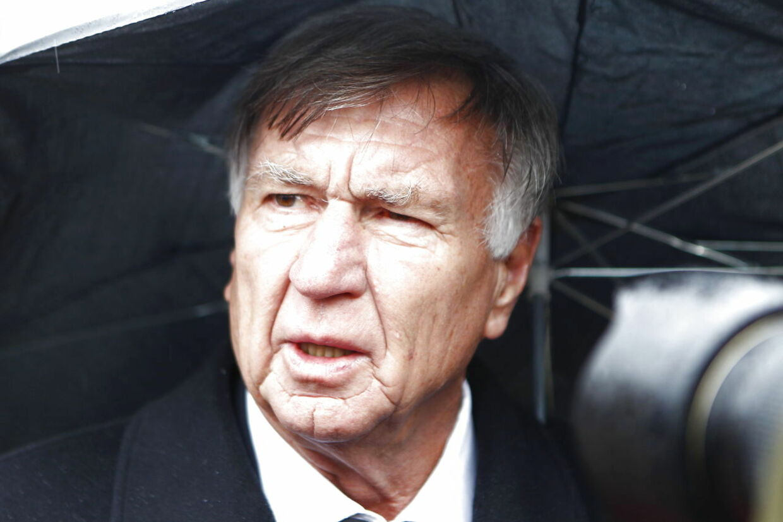 Tidligere landstræner Sepp Piontek var blandt de mange fodbold-koryfæer, der var mødt op i Ansgars Kirke i Odense for at sige et sidste farvel til Richard Møller Nielsen.
