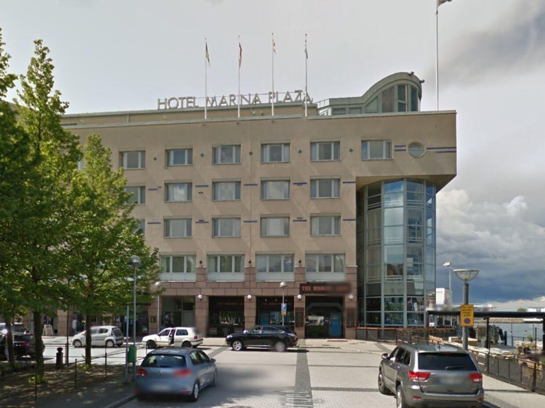 Det var på svenske Hotel Marina Plaza i Helsingborg, at den 16-årige pige sidste sommer mistede livet.