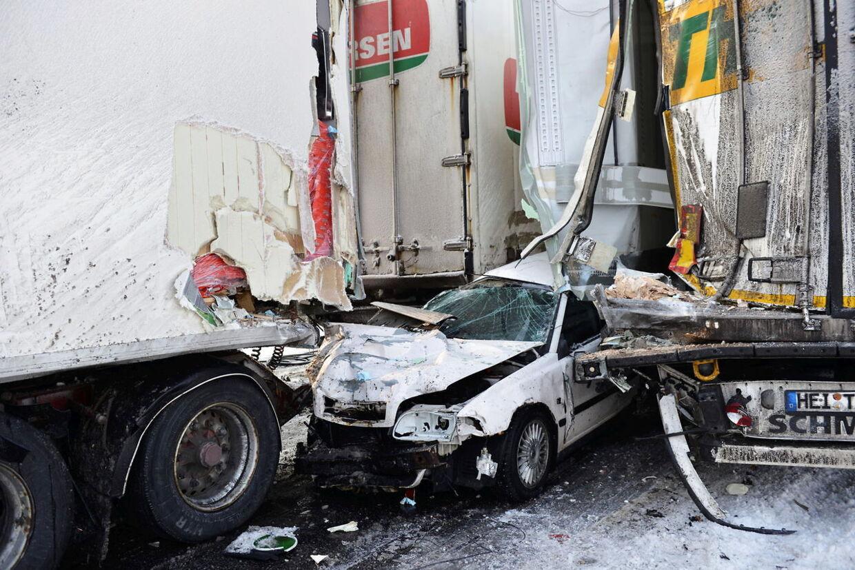 Én person mistede livet i det, der betegnes som Sveriges værste trafikuheld nogensinde.