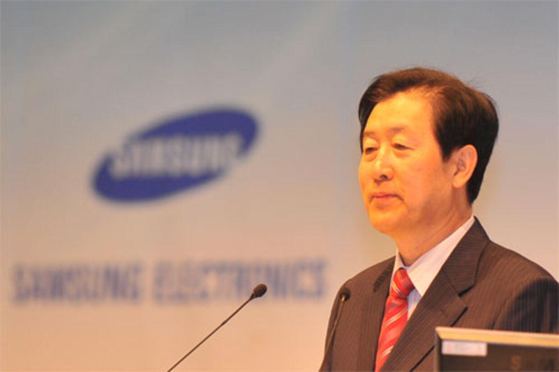 G.S. Choi (bill.), en af Samsungs topchefer, har skabt en våbenhvile i krigen mellem Apple og Samsung ved at udtrykke sin sorg over Steve Jobs' død.