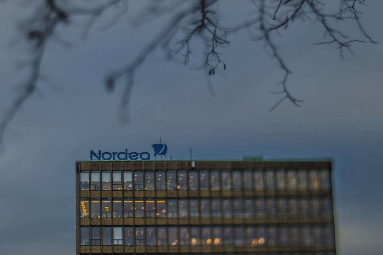 Nordea har sendt den mistænkte Se og Hør-spion hjem.