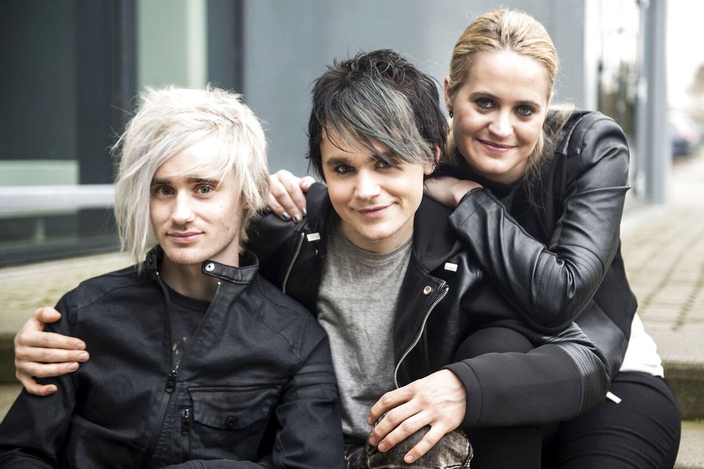 Melodi Grand Prix 2016. Gruppeportræt af bandet Bracelet Felix Grönvall (v), Charlie Grönvall og Rebecca Krogmann. Fotograferet den 11. februar 2016.