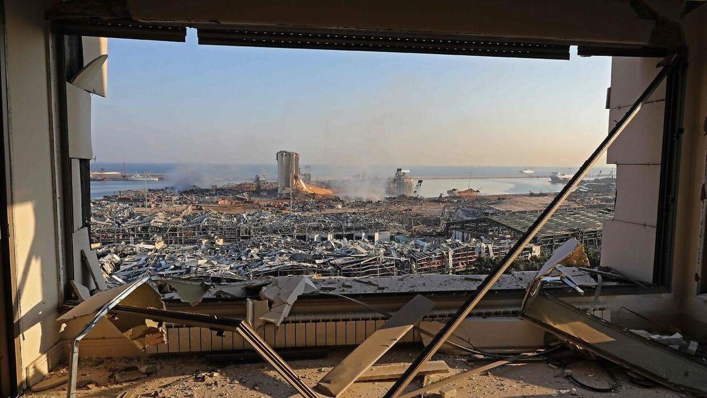 Udsigten fra en total ødelagt lejlighed ikke langt fra Beirut havn.