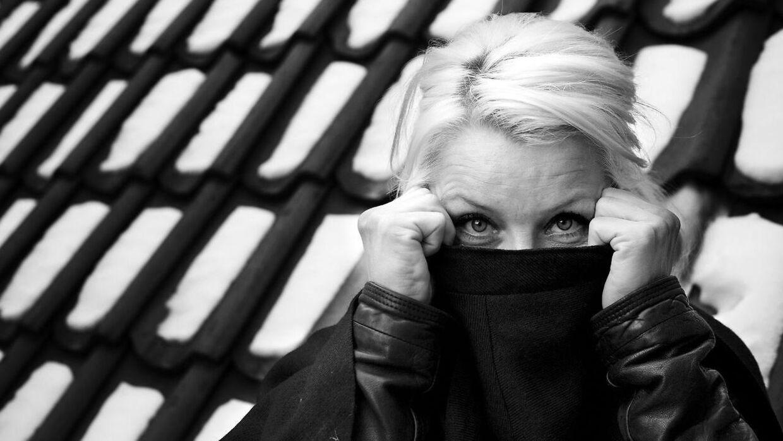 Skuespiller og tv-vært Signe Lindkvist siger i en podcast, at hun har fuppet med coronapas.