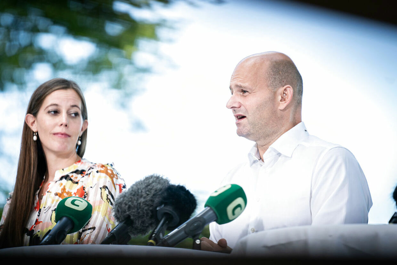 De Konservative holder sommergruppemøde onsdag i Nordsjælland. Her ses partiformand Søren Pape Poulsen og gruppeformand Mai Mercado ved sommergruppemødet i 2020.