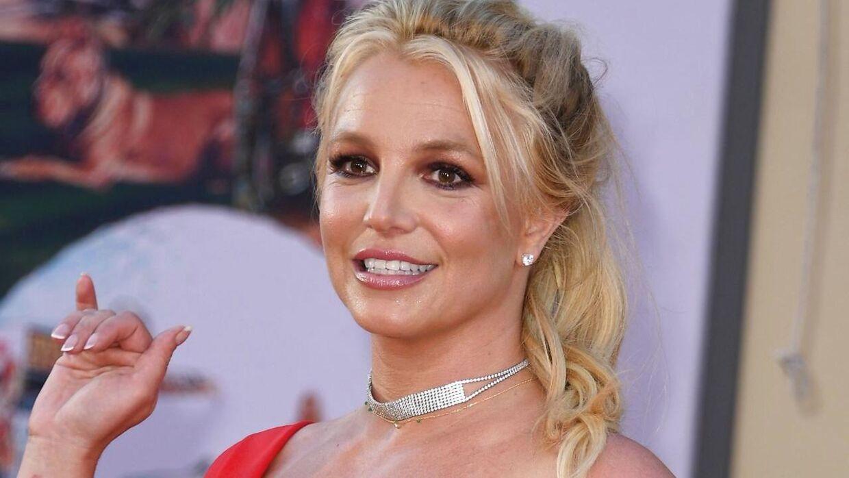 Britney Spears kan endelig se frem at slippe ud af faderen klør.