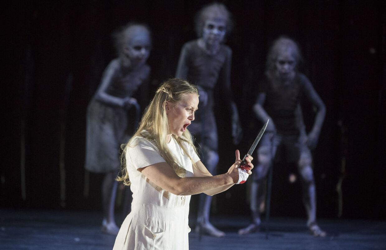 Den norske sopran, Mari Eriksmoen, trak mandag aften kun 30 tilhørerer til Glassalen i Tivoli. Her er hun under en tidligere koncert. Foto BERTRAND LANGLOIS / AFP