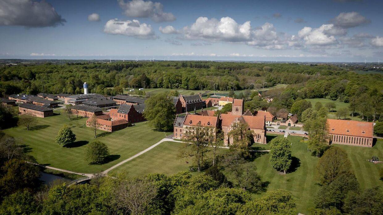 Herlufsholm Skole og Gods fotograferet fra luften.