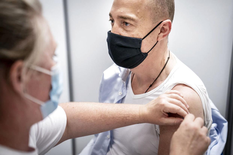 Sundhedsminister Magnus Heunicke blev vaccineret imod covid-19 i mandag den 7. juni 2021. Sundhedsministeren blev vaccineret med Pfizer BioNTech. (Foto: Mads Claus Rasmussen/Ritzau Scanpix)