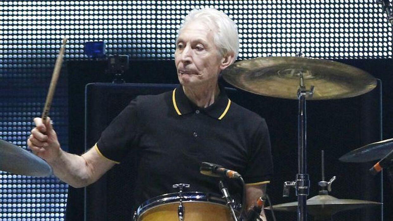 Charlie Watts fra The Rolling Stones er død i en alder af 80 år.