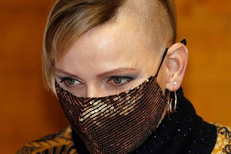 Fyrstinde Charlene vakte opsigt i december, da hun klippede sit hår meget kort på den ene side af hovedet.