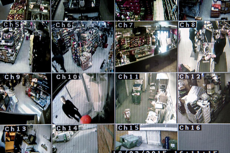 Finn Jakobsen er så træt af, at politiet ikke længere kommer, når han anmelder butikstyveri i sin Spar-købmandsbutik i Glostrup, at han ikke længere ringer til politiet, når han rammes af tyveri. Fotograferet onsdag den 18. marts 2015. Finn Jakobsen i skærmbillede Ch10.