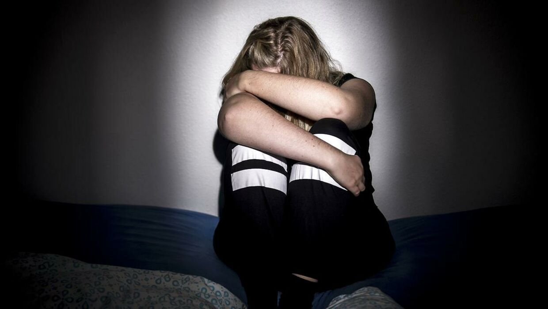 Arkivfoto. Stedfaren er tiltalt for at have udnyttet steddatteren gennem en periode på 11 år. Han næfter sig skyldig.