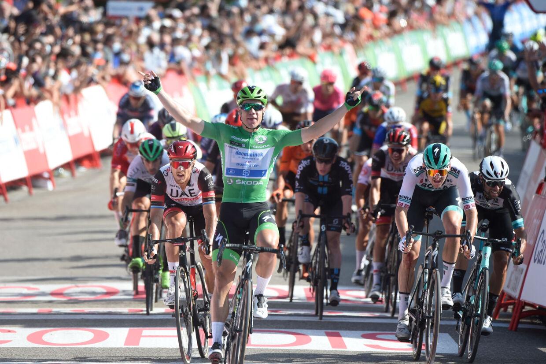 Iført den grønne pointtrøje vandt Fabio Jakobsen i overlegen stil 16. etape af Vueltaen. Miguel Riopa/Ritzau Scanpix