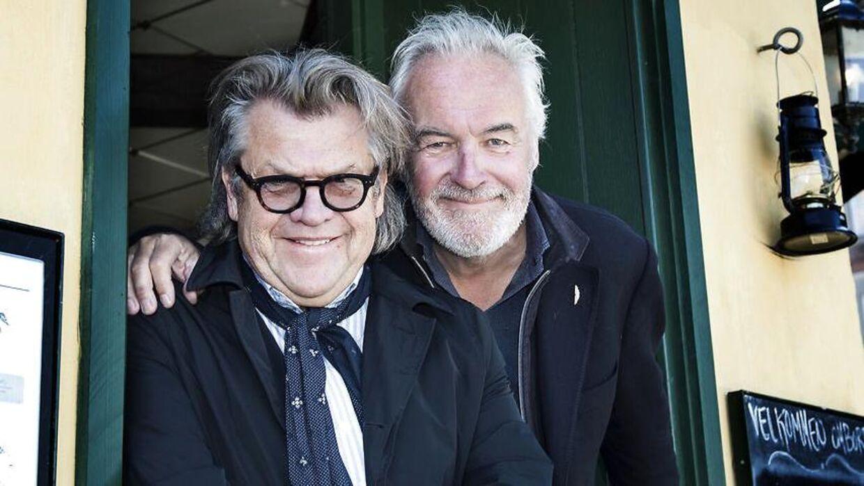 Noller med sin bror, Jørgen Olsen.