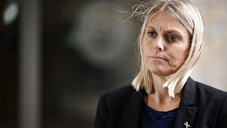 Presset vokser på forsvarsminister Trine Bramsen efter interview med TV2 News.
