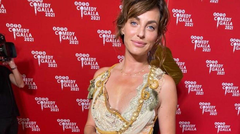 Sara Grünewald i sin heroin-punk kjole fra Ann Wiberg.