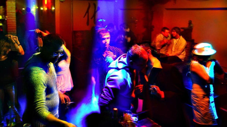 Der er igen gang i dansegulvene og nattelivet landet over. Arkivfoto fra Buddy Holly i Frederikshavn.