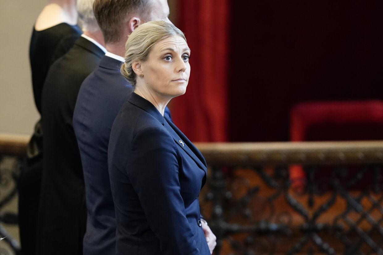 Forsvarsminister Trine Bramsen havde alt andet end smil på læben, da hun her var i kirke, inden flagdagen på Kastellet i København for de udsendte soldater. Foto: Mads Claus Rasmussen.