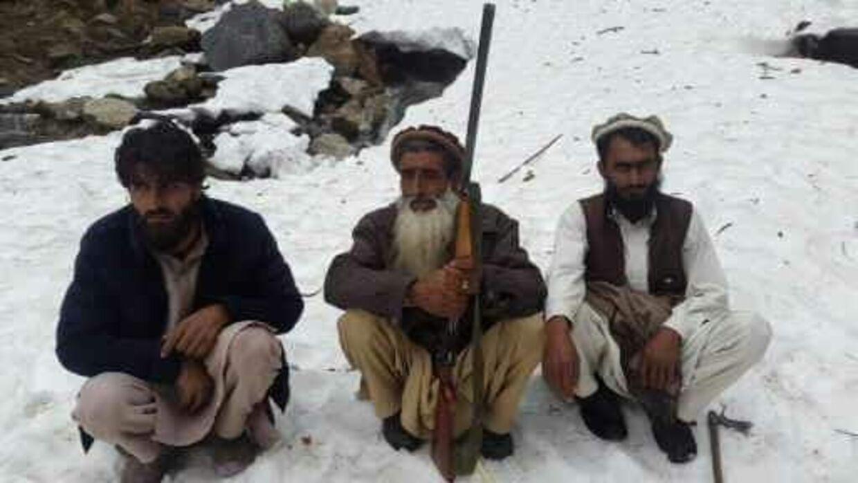 Ahmad og hans to brødre i Afghanistan. Ifølge Ahmad er de begge døde nu. Henrettet af Taliban.