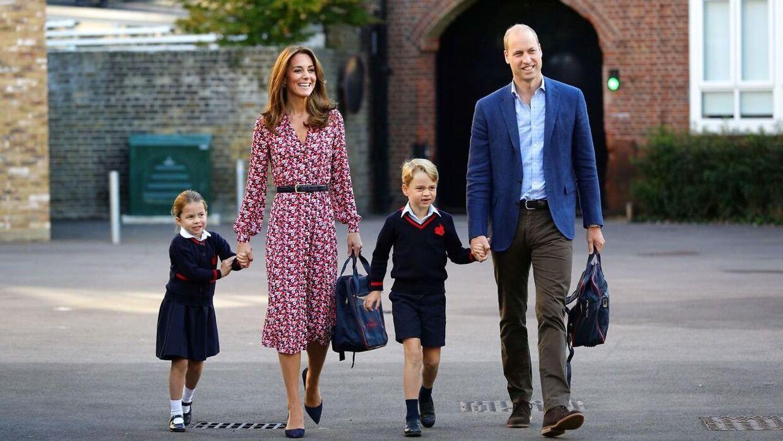 Familien, der fulgtes ad til den første skoledag i 2019.