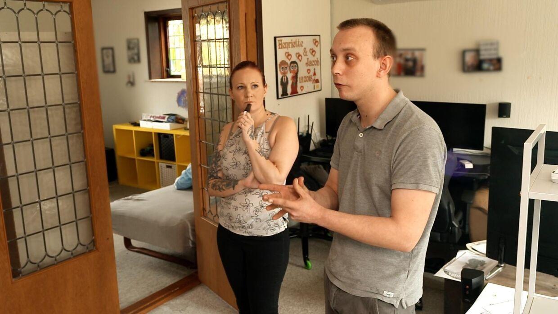 Ægteparret Henriette og Jacob Sørensen deltog i premieren på 'Luksusfælden' sæson 27. De mener dog, at eksperternes slet ikke ville eller var i stand til at hjælpe dem - for de er bare skuespillere, der vil have et godt show. Derfor mener ægteparret også, at der er blevet snydt med tallene, så deres økonomi ser værre ud, end den er.