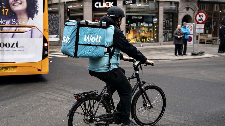 Nu er det ikke kun mad, der kommer til at fylde i Wolt-buddenes tasker.