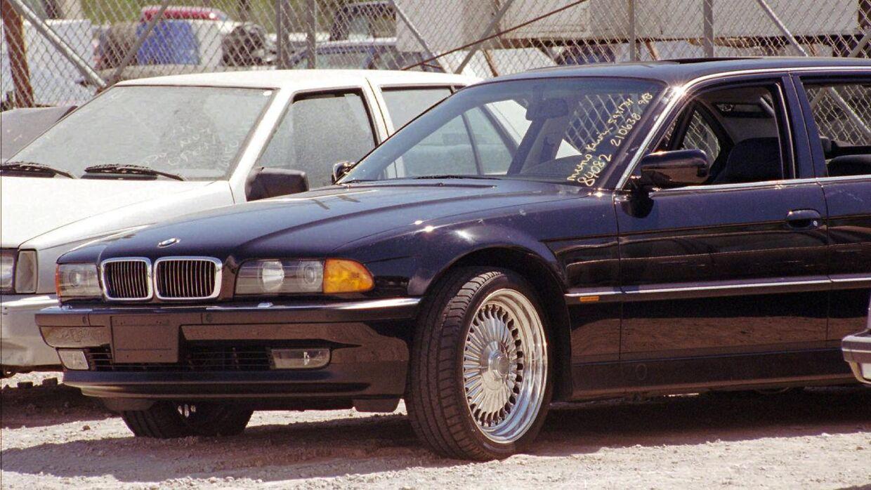 Arkivfoto af bilen taget den 8. september 1996, dagen efter Tupac blev skudt.